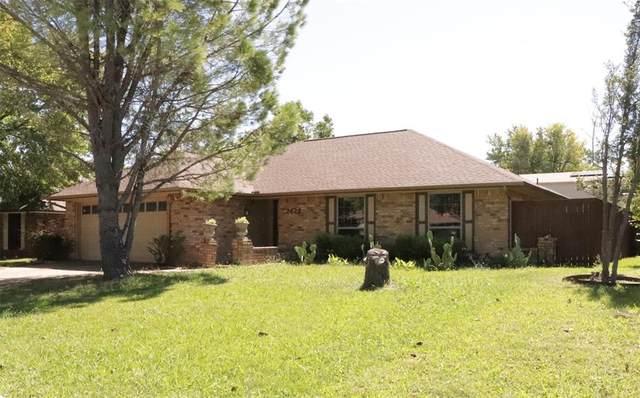 2429 Hallmark, Grand Prairie, TX 75052 (MLS #14444690) :: The Paula Jones Team | RE/MAX of Abilene