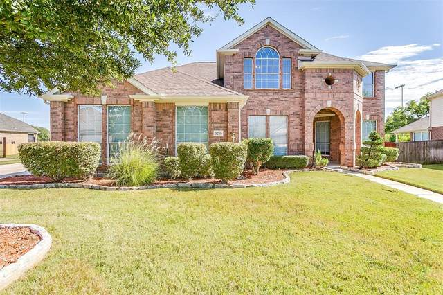 3219 Ridge Trace Circle, Mansfield, TX 76063 (MLS #14445651) :: The Kimberly Davis Group