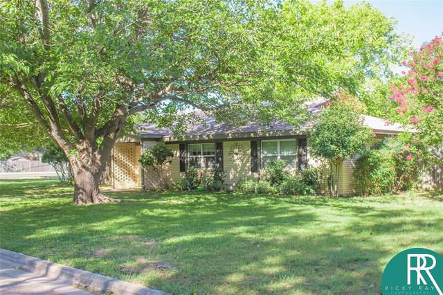 2413 Monticello Street, Brownwood, TX 76801 (MLS #14445883) :: All Cities USA Realty