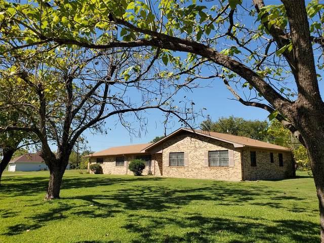 930 Washington Street, Teague, TX 75860 (MLS #14446848) :: The Kimberly Davis Group