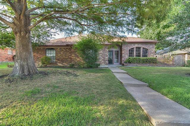 2813 Crow Valley Trail, Plano, TX 75023 (MLS #14447116) :: Hargrove Realty Group