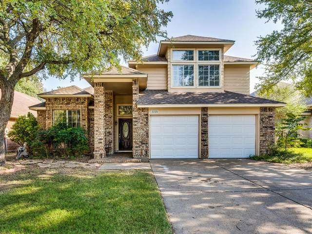 2225 Chapel Downs Drive, Arlington, TX 76017 (MLS #14447195) :: The Mauelshagen Group