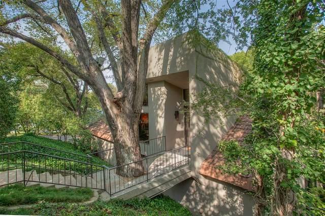 2101 Indian Creek Drive, Westover Hills, TX 76107 (MLS #14447213) :: The Tierny Jordan Network