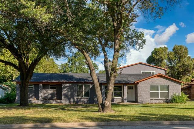2221 Timberline Drive, Fort Worth, TX 76119 (MLS #14447285) :: The Hornburg Real Estate Group