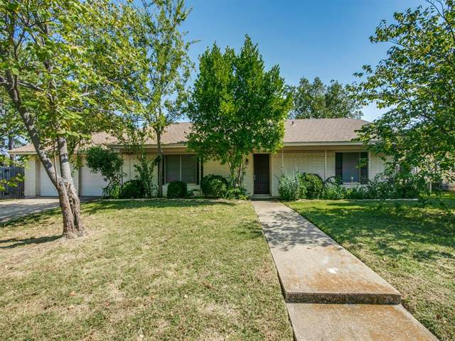 2110 Georgetown Drive, Denton, TX 76201 (MLS #14447415) :: The Mauelshagen Group
