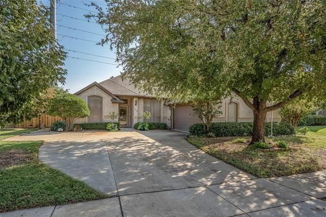 7216 Spring Oak Drive, North Richland Hills, TX 76182 (MLS #14448662) :: The Mauelshagen Group
