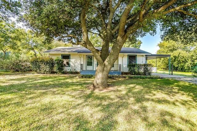 348 S Dobson Street, Burleson, TX 76028 (MLS #14449275) :: The Paula Jones Team | RE/MAX of Abilene