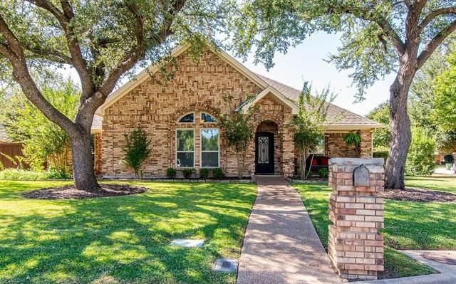 557 Sunset Drive, Hurst, TX 76054 (MLS #14449749) :: The Mauelshagen Group