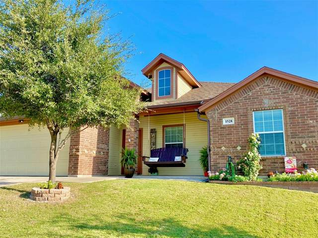1528 Jacqueline, Graham, TX 76450 (MLS #14451238) :: The Kimberly Davis Group