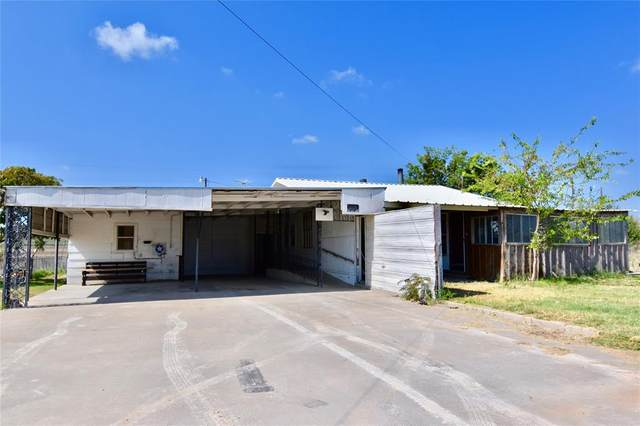 2600 5th Avenue, Coleman, TX 76834 (MLS #14451471) :: The Kimberly Davis Group
