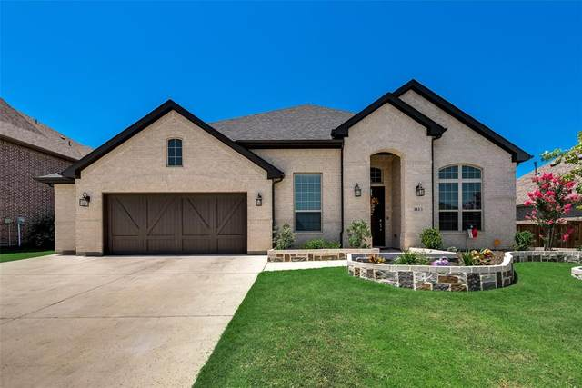 1113 Lake Hills Trail, Roanoke, TX 76262 (MLS #14451647) :: The Mauelshagen Group
