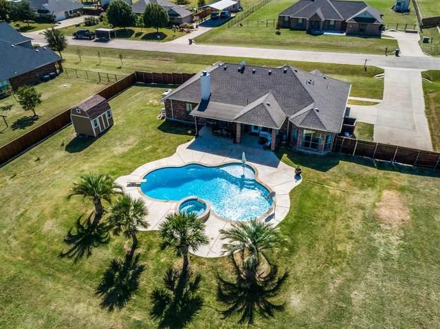 111 Devonshire Drive, Waxahachie, TX 75167 (MLS #14451823) :: The Kimberly Davis Group