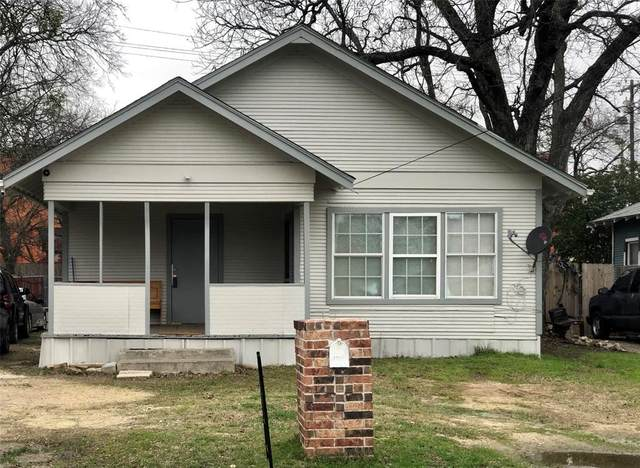 1315 N Brazos Avenue, Cleburne, TX 76031 (MLS #14452129) :: EXIT Realty Elite