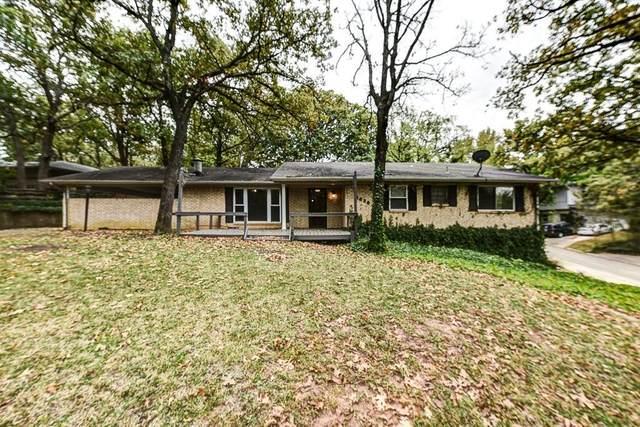 1630 W Munson Street, Denison, TX 75020 (MLS #14452475) :: Real Estate By Design