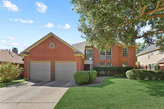 1710 Parkwood Drive, Grapevine, TX 76051 (MLS #14452928) :: Frankie Arthur Real Estate