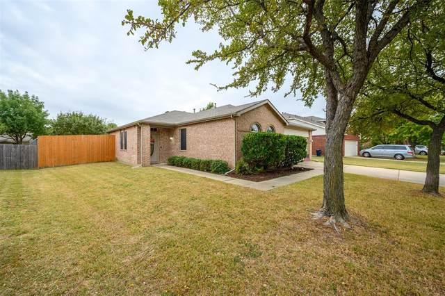 1308 White Dove Lane, Denton, TX 76210 (MLS #14452963) :: The Mauelshagen Group