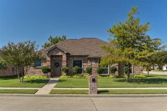 221 Nottingham Drive, Waxahachie, TX 75165 (MLS #14453658) :: The Kimberly Davis Group