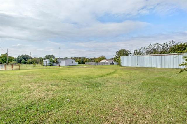 901 Steinway Lane, Cleburne, TX 76031 (MLS #14454982) :: The Mauelshagen Group
