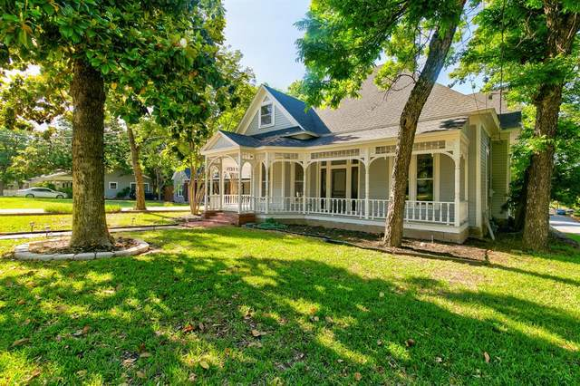 211 E Lee Avenue, Weatherford, TX 76086 (MLS #14455016) :: The Kimberly Davis Group