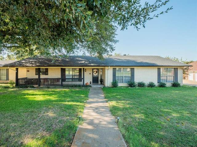 9012 Bontura Road, Granbury, TX 76049 (MLS #14455187) :: Maegan Brest | Keller Williams Realty
