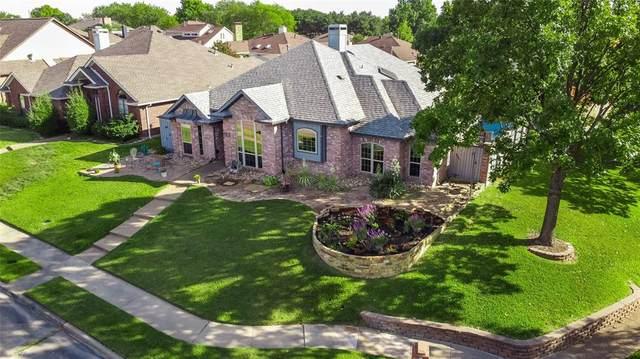1302 Black Oak Drive, Carrollton, TX 75007 (MLS #14455347) :: The Good Home Team