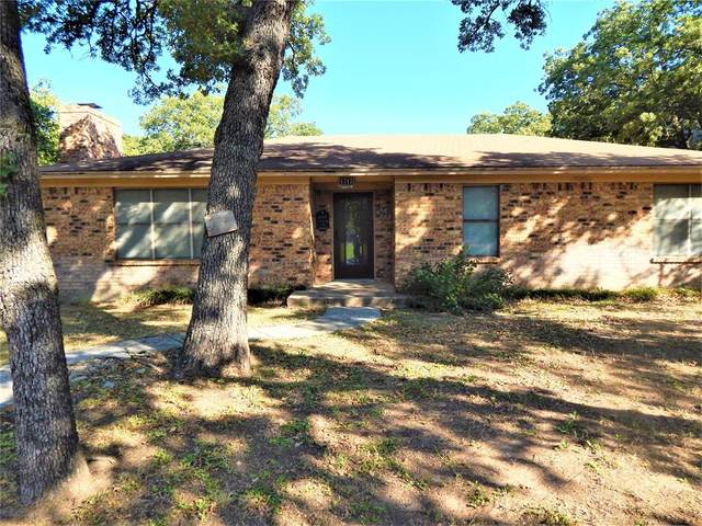 1717 Castle Drive, Clyde, TX 79510 (MLS #14455389) :: The Kimberly Davis Group