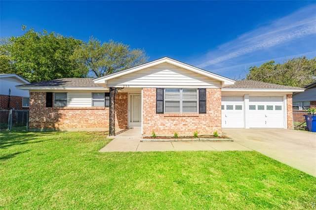 233 Taylor Street, Burleson, TX 76028 (MLS #14455566) :: The Mauelshagen Group