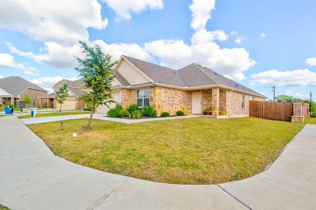 1070 Sadie Street, Forney, TX 75126 (MLS #14455650) :: The Rhodes Team