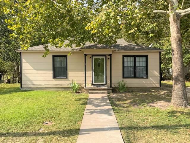 1119 S Wine Street, Gainesville, TX 76240 (MLS #14455680) :: The Mauelshagen Group