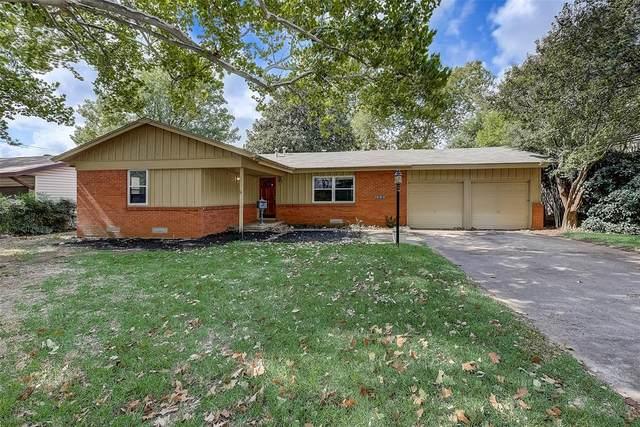 1408 Ravenwood Drive, Arlington, TX 76013 (MLS #14455904) :: Robbins Real Estate Group
