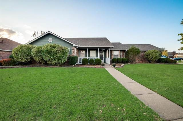 137 Villanova Circle, Forney, TX 75126 (MLS #14456031) :: The Hornburg Real Estate Group