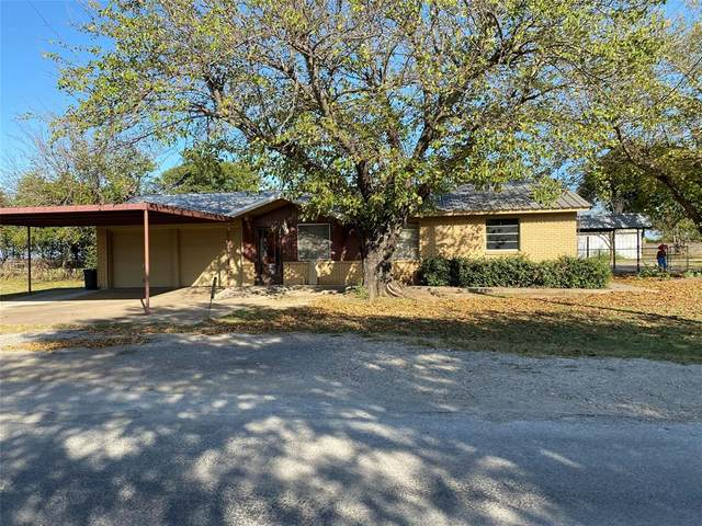 808 El Campo Drive, Rio Vista, TX 76093 (#14456239) :: Homes By Lainie Real Estate Group