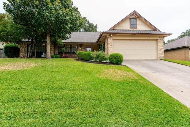 908 Timber View, Bedford, TX 76021 (MLS #14456663) :: The Mauelshagen Group