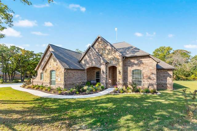 136 Flying Diamond Drive, Springtown, TX 76082 (MLS #14456923) :: The Rhodes Team