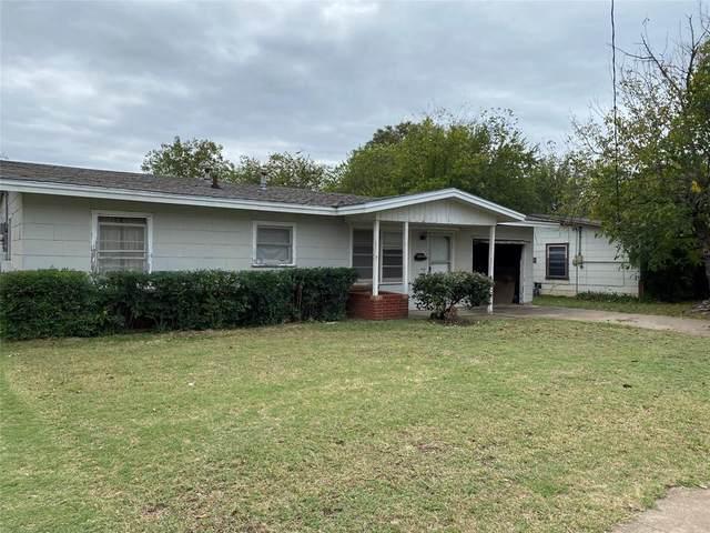 1304 SE 15th Street, Mineral Wells, TX 76067 (MLS #14456931) :: Maegan Brest | Keller Williams Realty