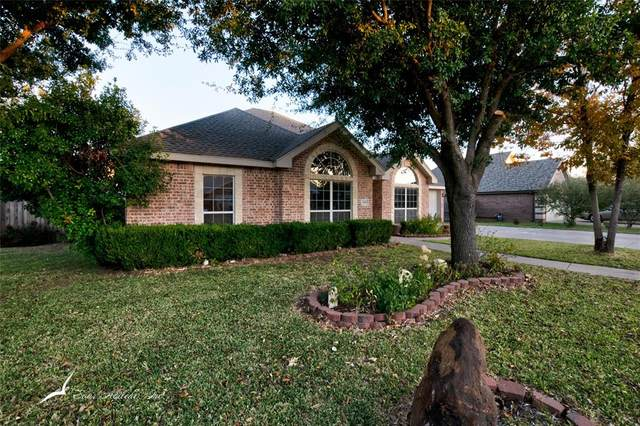 1649 Smith Drive, Abilene, TX 79601 (#14457027) :: Homes By Lainie Real Estate Group