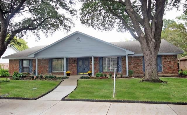 1807 Winewood Lane, Arlington, TX 76013 (MLS #14457239) :: Team Hodnett