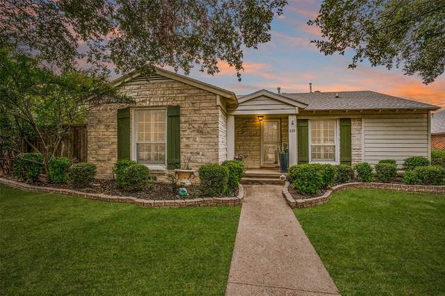 839 Salmon Drive, Dallas, TX 75208 (MLS #14457545) :: The Paula Jones Team | RE/MAX of Abilene