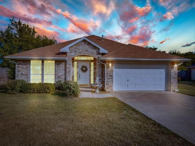 233 Roberts Drive, Saginaw, TX 76179 (MLS #14457887) :: Potts Realty Group
