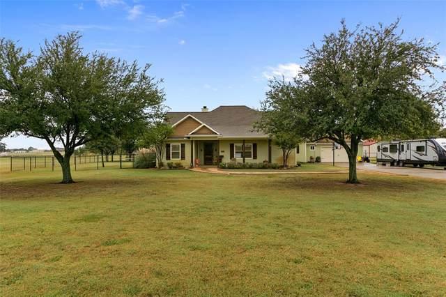 10305 Bobbie Lane, Pilot Point, TX 76258 (MLS #14457993) :: The Kimberly Davis Group