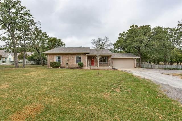 712 Kiowa Drive E, Lake Kiowa, TX 76240 (MLS #14458230) :: Real Estate By Design