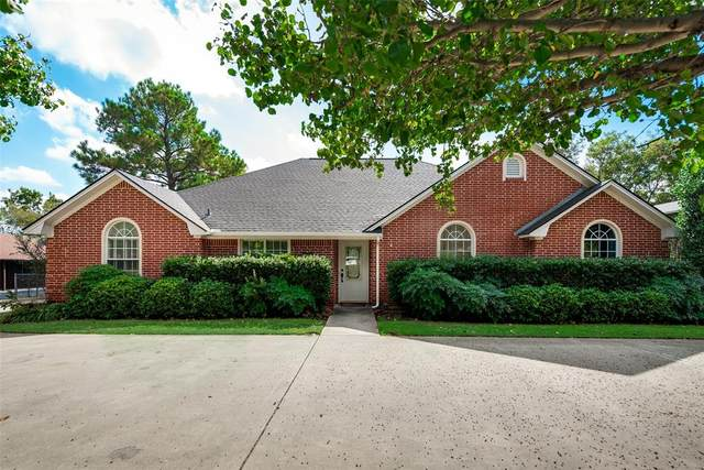 245 E Holiday Street, Pilot Point, TX 76258 (MLS #14458259) :: Real Estate By Design