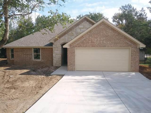 4303 Lucero Drive, Granbury, TX 76048 (MLS #14458420) :: Robbins Real Estate Group