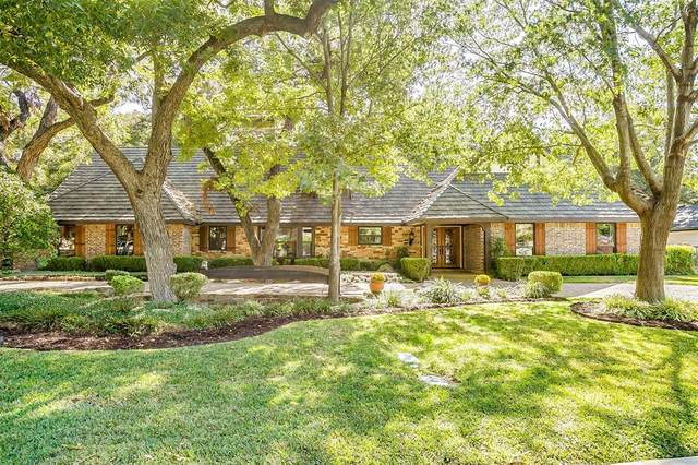 3805 Hollow Creek Road, Benbrook, TX 76116 (MLS #14458581) :: Real Estate By Design