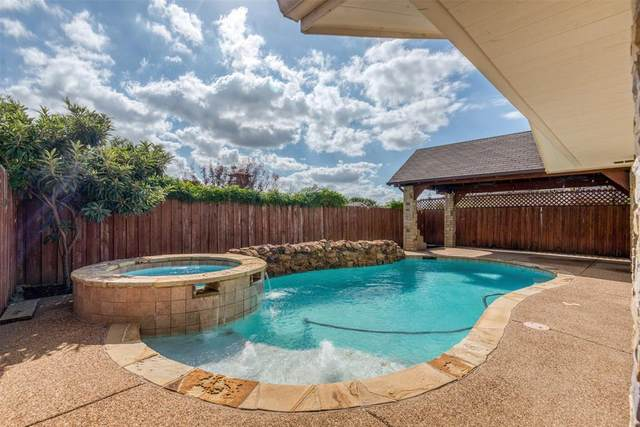 4454 Tierra Drive, Dallas, TX 75211 (MLS #14458910) :: All Cities USA Realty