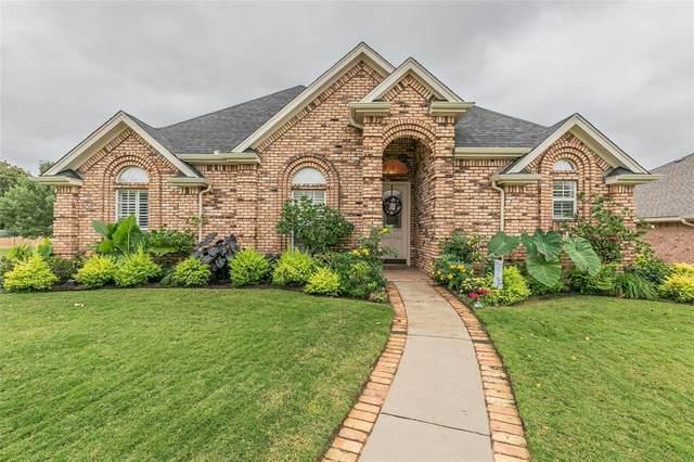 835 Magnolia Court, Hurst, TX 76053 (MLS #14459181) :: The Paula Jones Team   RE/MAX of Abilene