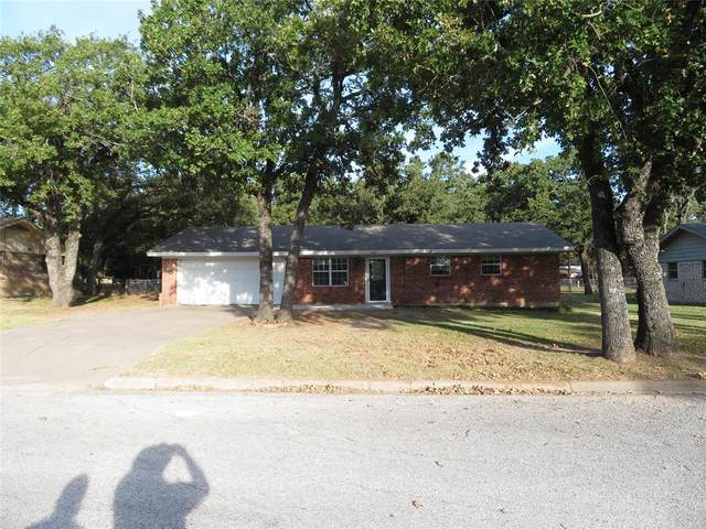 232 Redwood Street, Bowie, TX 76230 (#14459257) :: Homes By Lainie Real Estate Group