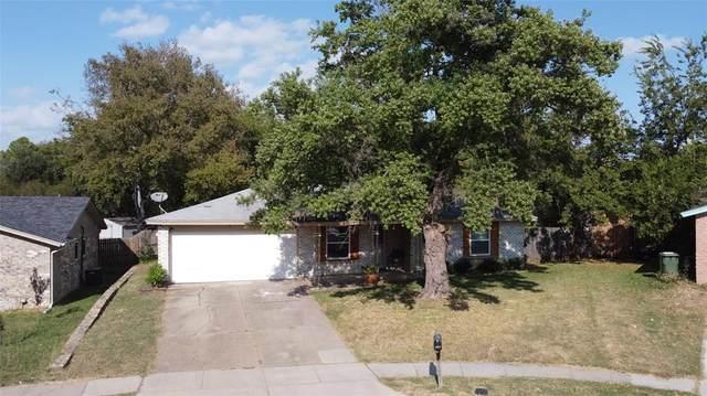 701 N Hunters Glen Circle, Arlington, TX 76015 (MLS #14459360) :: The Mauelshagen Group