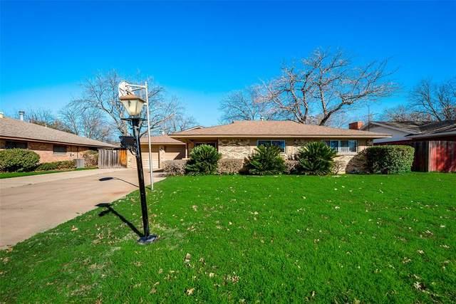 718 Danish Drive, Grand Prairie, TX 75050 (MLS #14459532) :: The Paula Jones Team | RE/MAX of Abilene