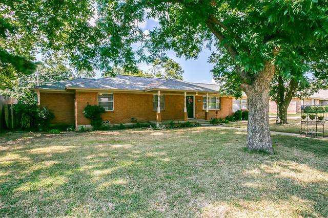 2814 Silvermeadow Lane, Corinth, TX 76210 (MLS #14459581) :: The Rhodes Team